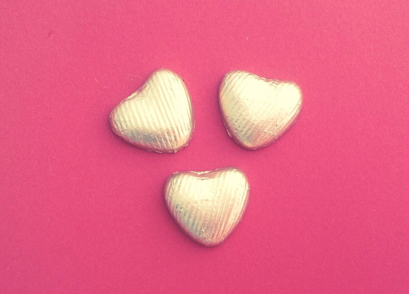 3 Gold Foil Covered Hearts Cracker Content
